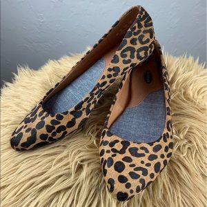 Women's Dr. Scholl's Leopard print Flats sz 6